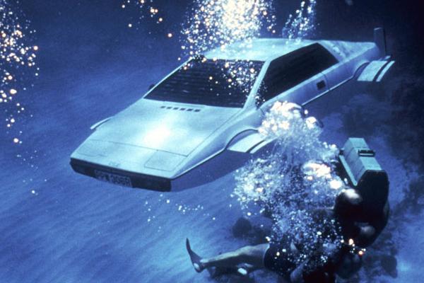 Elon Musk hồi sinh chiếc xe của James Bond 007