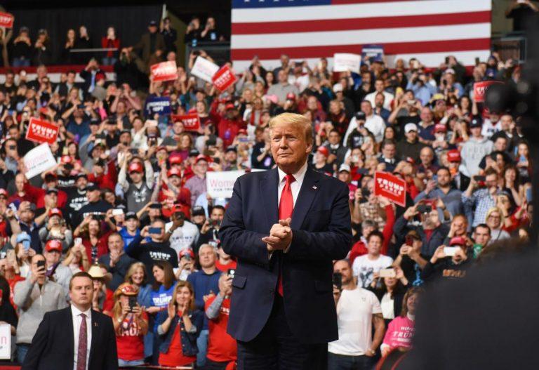 Bầu cử tổng thống Mỹ: Căn cước cá nhân và cuộc chiến ý thức hệ
