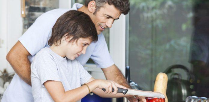 Học và chơi với trẻ ở nhà trong mùa dịch bệnh