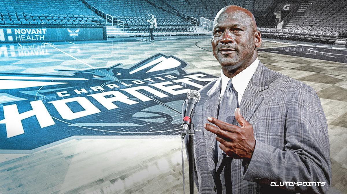 Chiếc áo giá 1 dollar của Michael Jordan