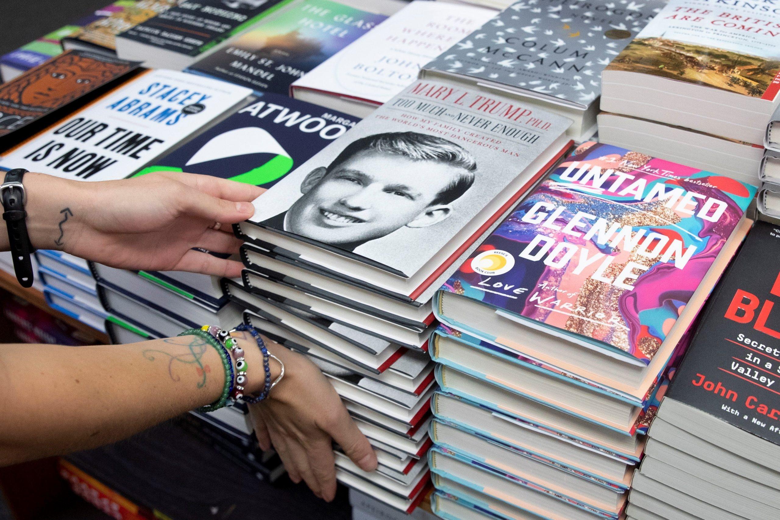 Mỹ: Bán được nhiều sách hơn nhờ dịch Covid