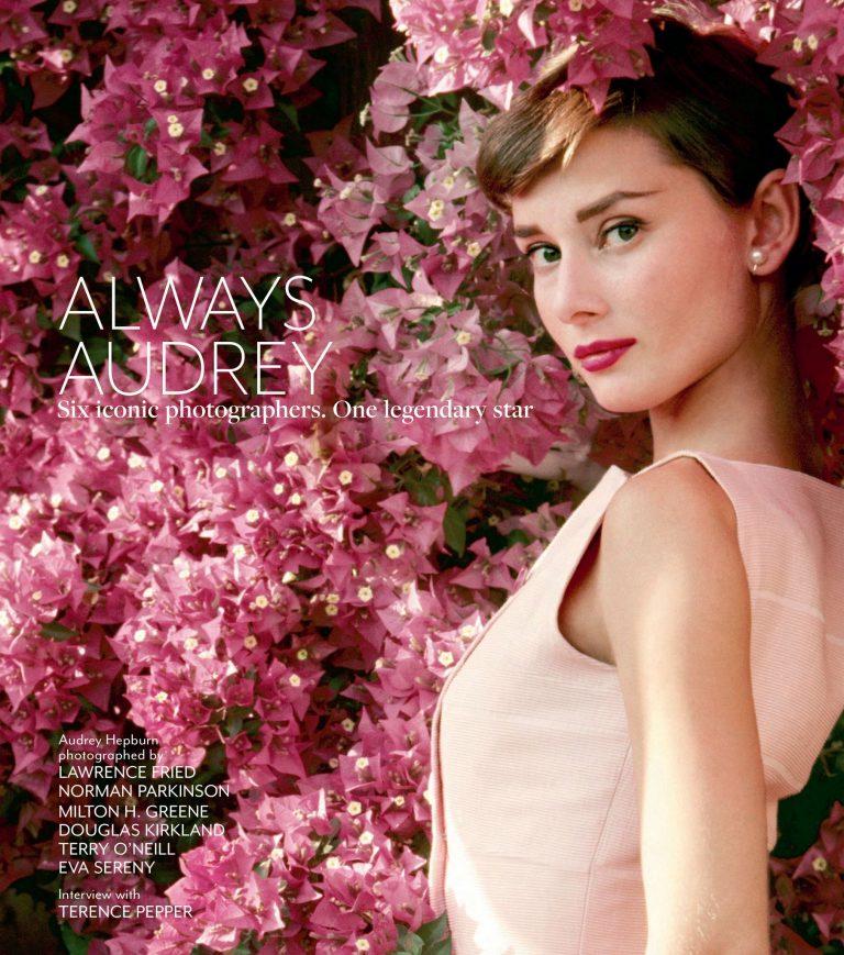 """Audrey Hepburn và """"Breakfast at Tiffany's"""""""