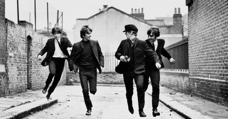 Beatles, một tình yêu điên cuồng cháy mãi
