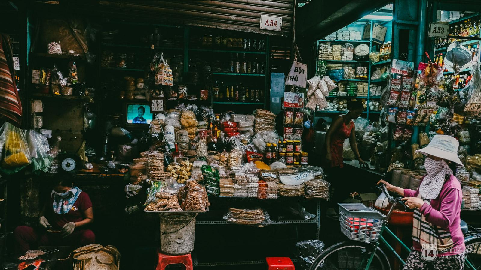 Đậm đà hương vị miền Trung tại chợ Bà Hoa