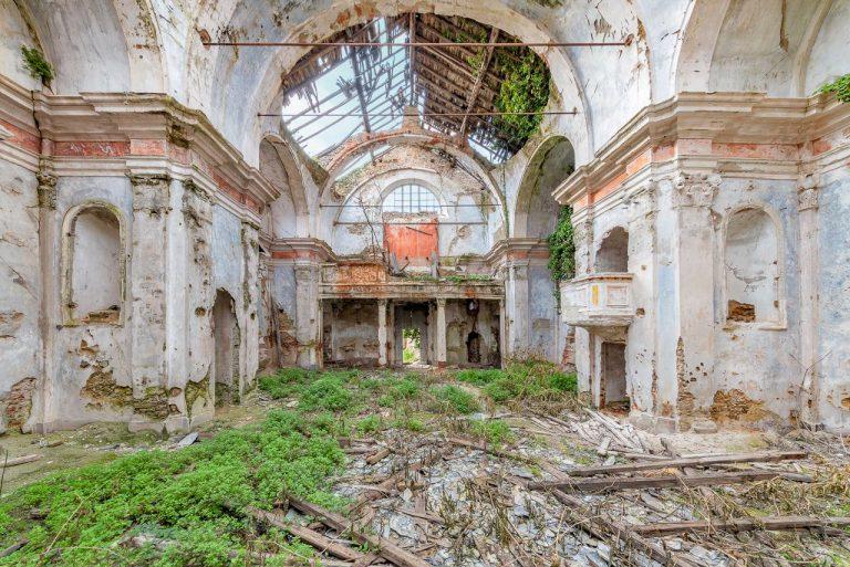Những ngôi nhà thờ bị lãng quên