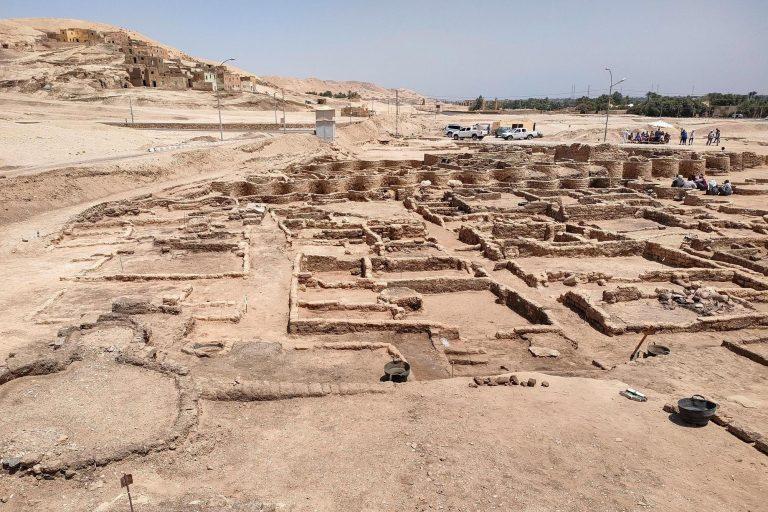 Khám phá 'thành phố vàng' trong lòng đất Ai Cập