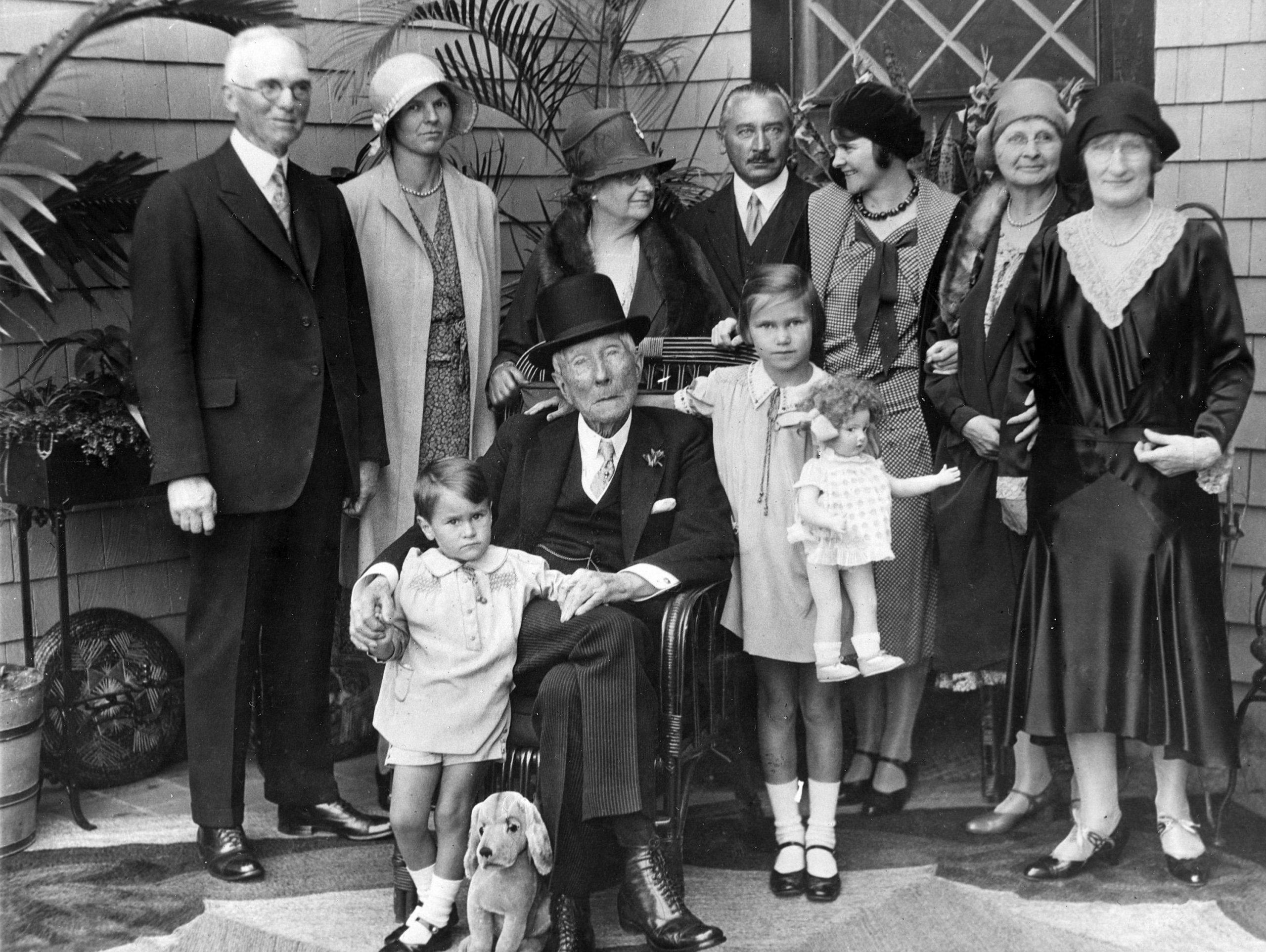 Cách dạy con của vợ chồng tỷ phú Rockefeller