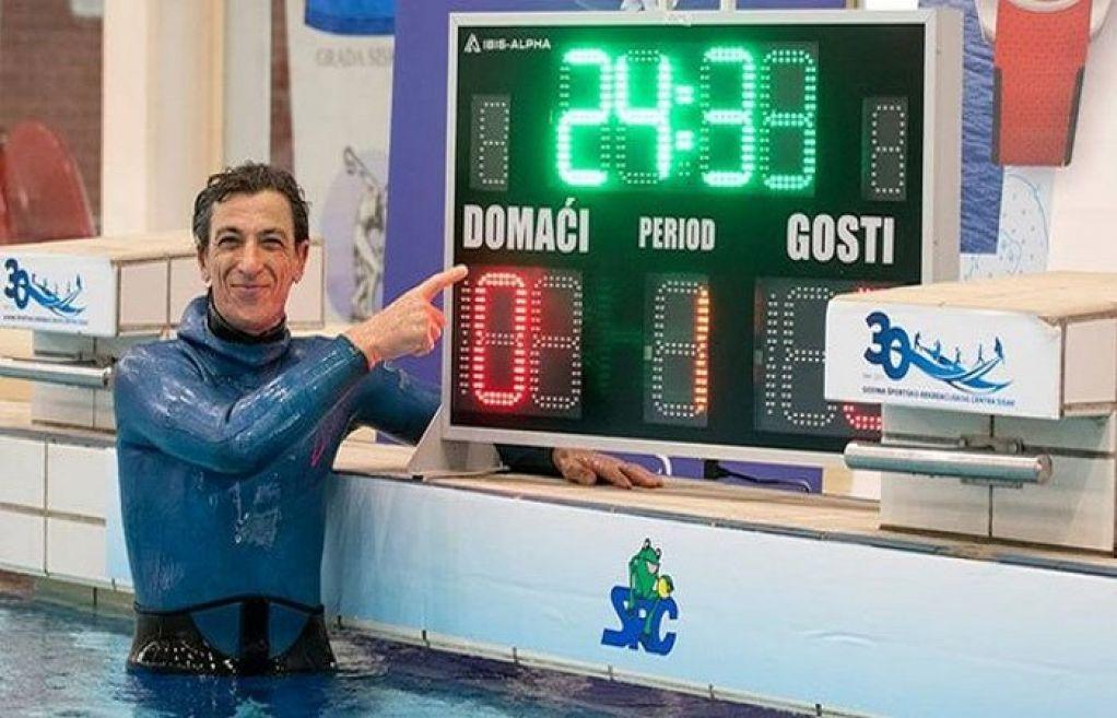 Vô địch nhịn thở dưới nước: 24 phút 33 giây