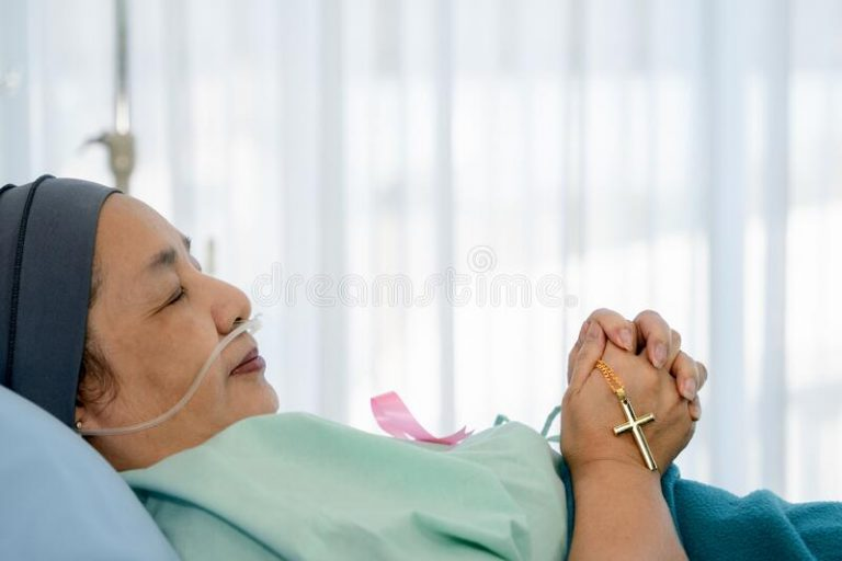 'Bác sĩ có đạo không?'
