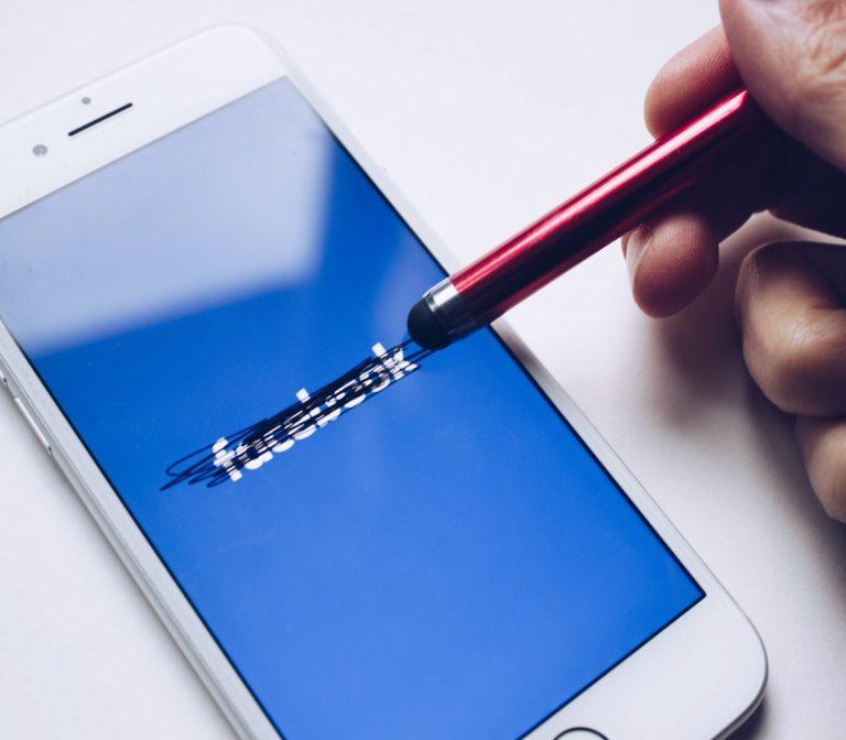 Đã đến lúc rời bỏ Facebook?