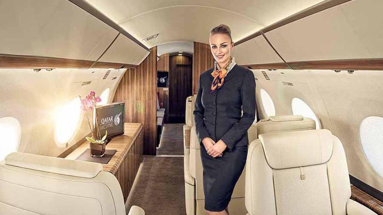 Mặt trái nghề tiếp viên hàng không cho giới siêu giàu
