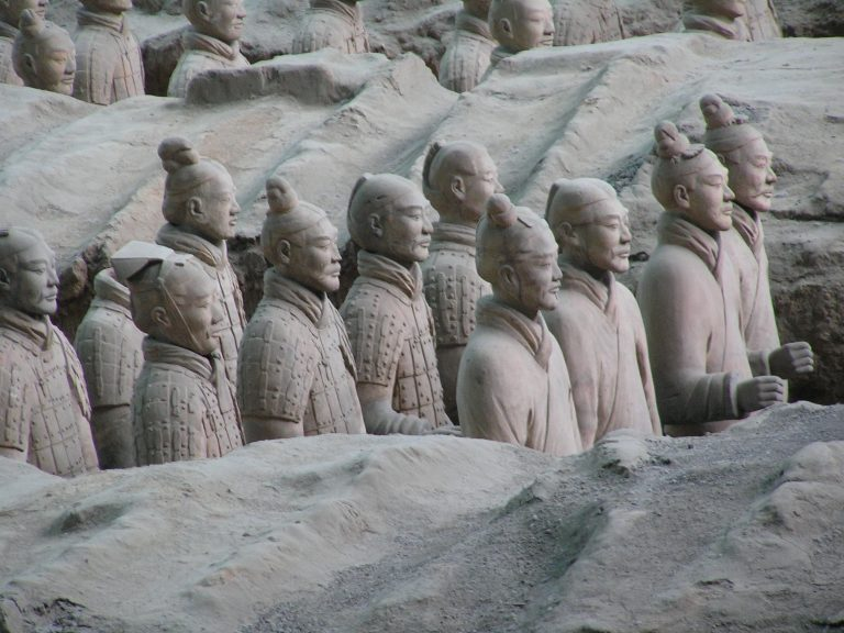 Bí mật pho tượng trong lăng mộ Tần Thủy Hoàng